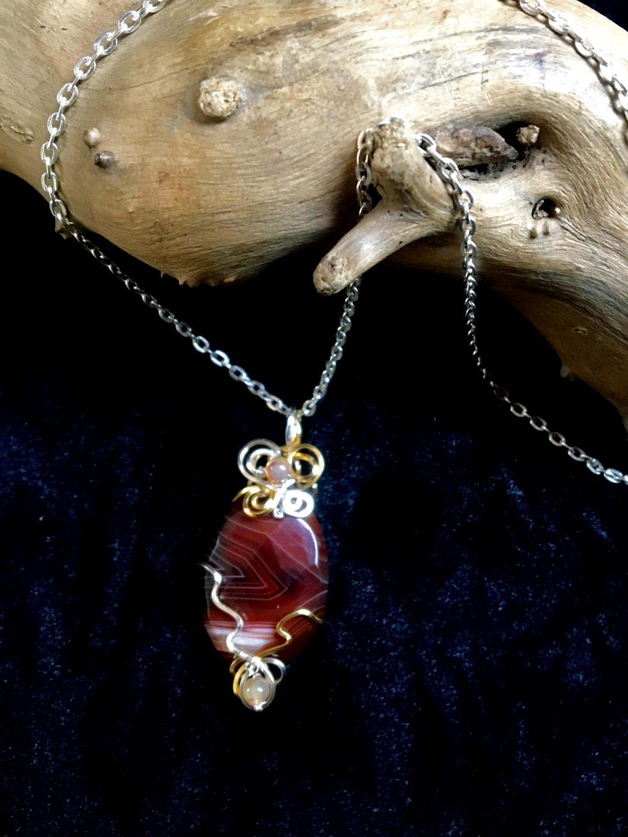 Qhresnna Quartz Necklace - Brown Agathe 1- Silver Plated