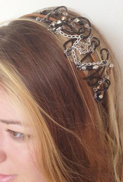 2013-07 LTB Rock It (Hair piece on model)