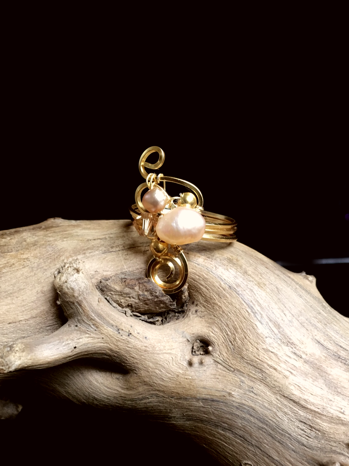 Dainty Deva Ring - Pearl and swarovsky - Silver Plated Gold color