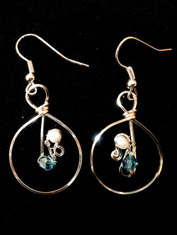 Dainty Deva Earrings - Pearls and blue swarovsky - Silver Plated