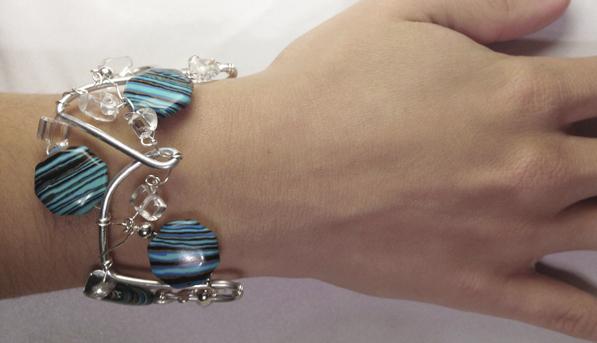 2013-07 LTB Juba Chill (Bracelet on hand)