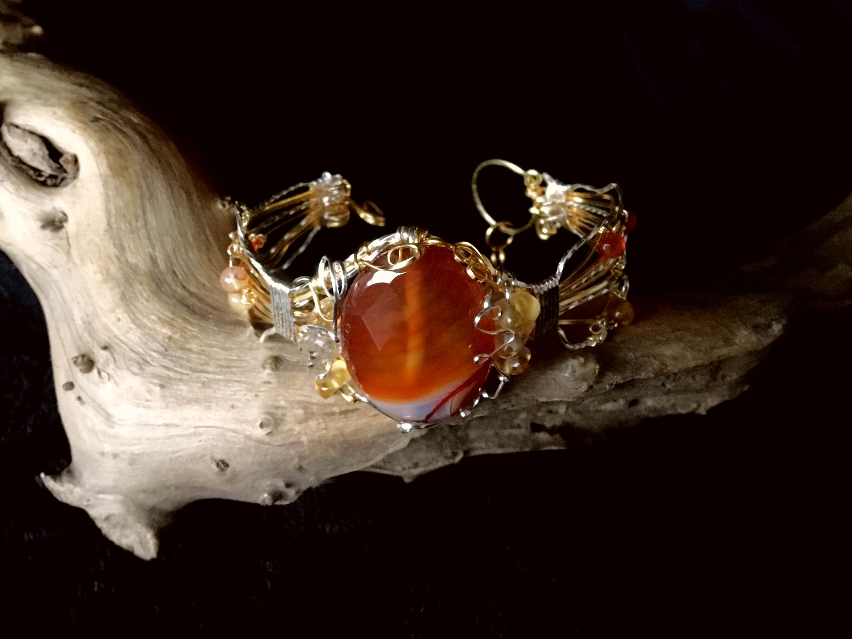 Qhresnna Quartz Bracelet - Brown Agathe , citrine 1- Silver Plated