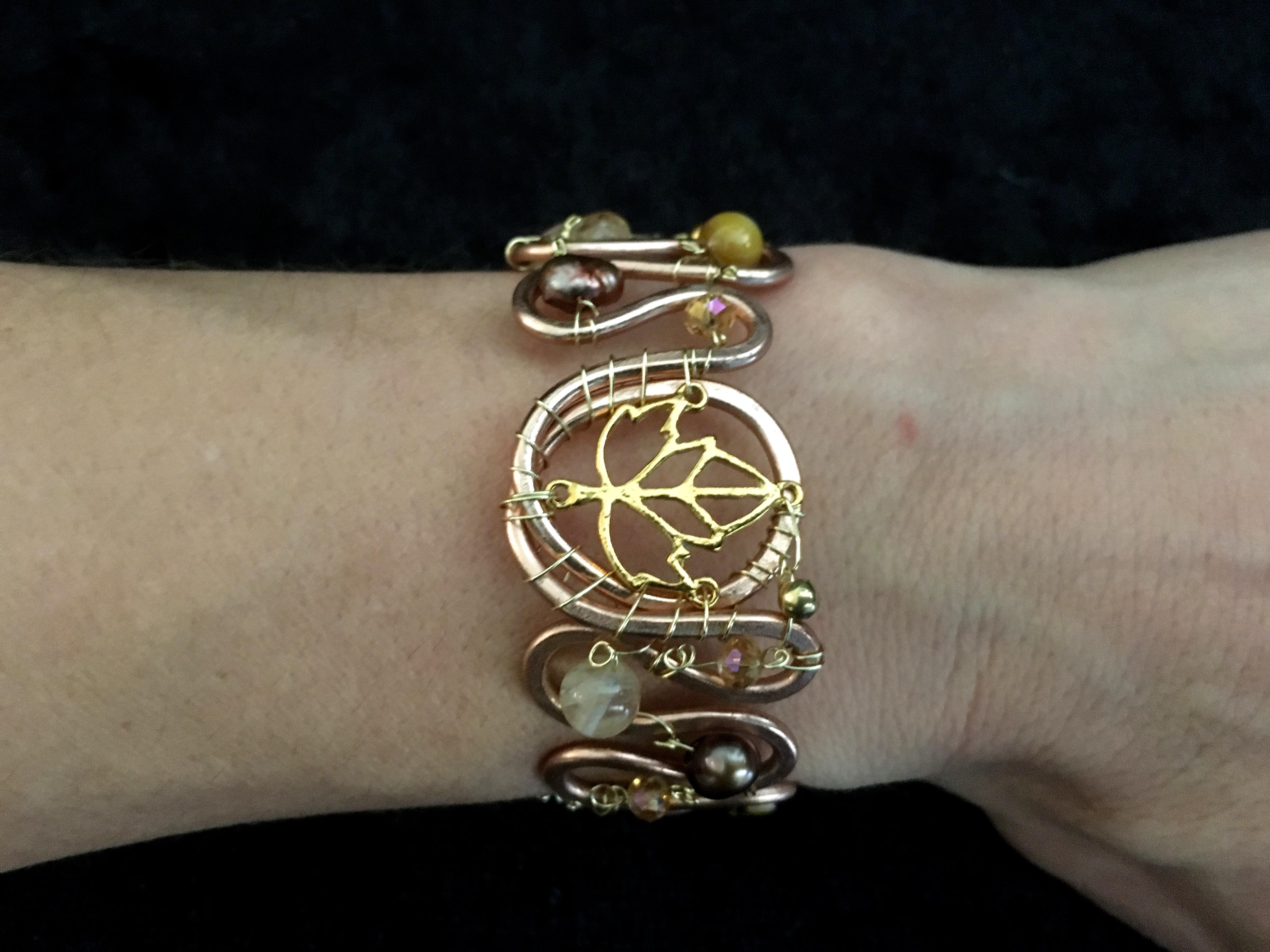 2016 FF small gold leaf bracelet