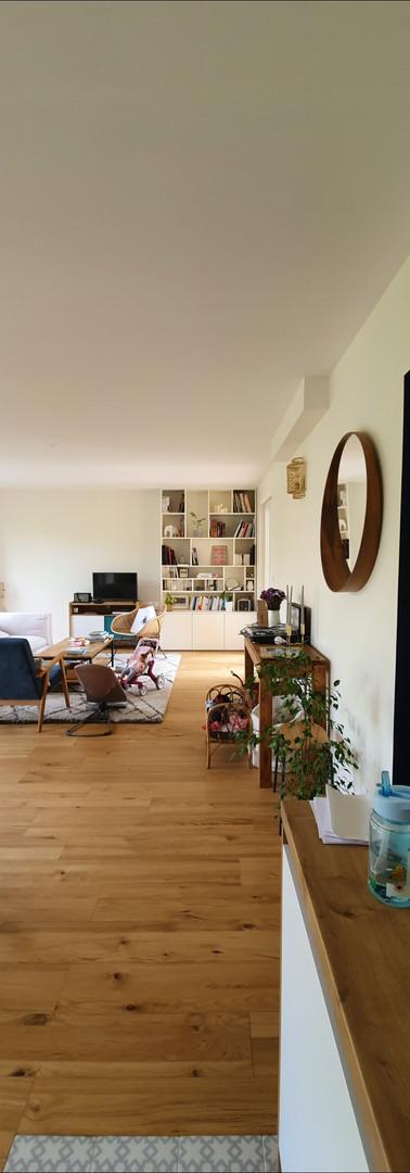 Salon / parquet chêne, bibliothèque sur mesure