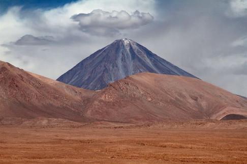 Licancabur - Atacama 2011.jpg