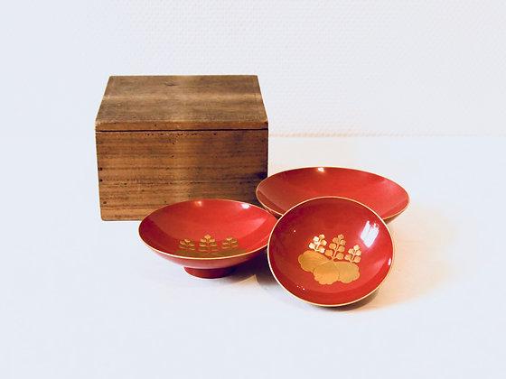 3 Vintage Lacquer Sake Cups - 3 coupes à saké laquées