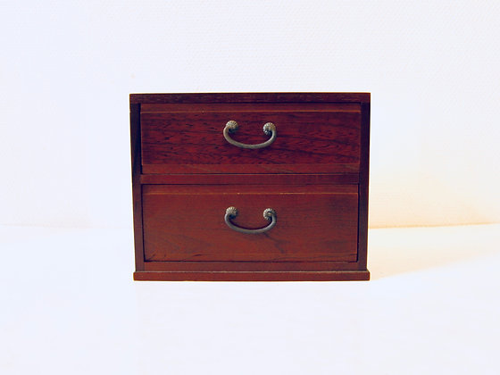 Small Vintage Chest of Drawers - Petit meuble à tiroirs