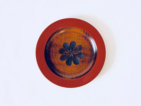 Small Vintage Lacquer Plate - Petite assiette laquée