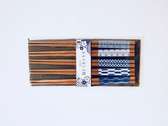 Set of 5 Pairs of Chopsticks - Ensemble de 5 paires de baguettes