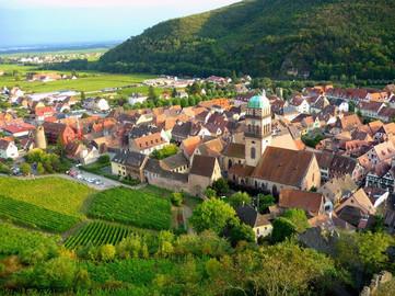 Vue aérienne du village de Kaysersberg