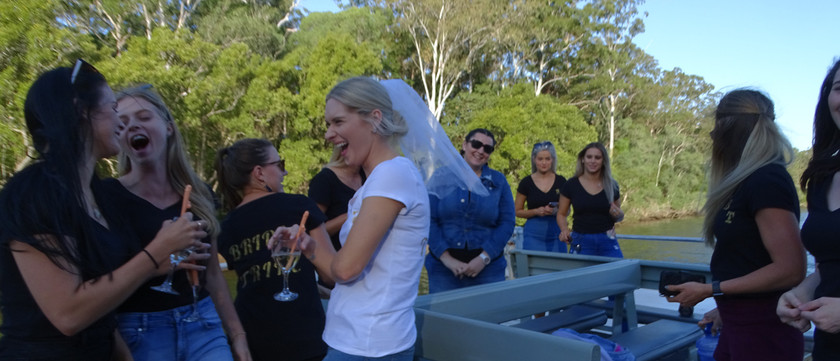 Hens-party-Byron-Bay-cruise-on-the-Bruns