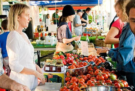 Experience the Byron Bay Farmers Markets