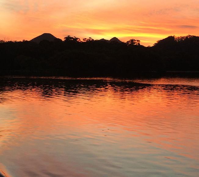 stunning-sunset-over-Mt-Chincogan-on-riv