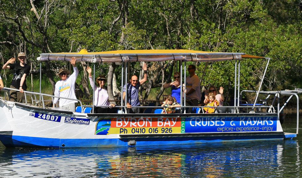 Cruising-and-water-sports-Byron-b.jpg