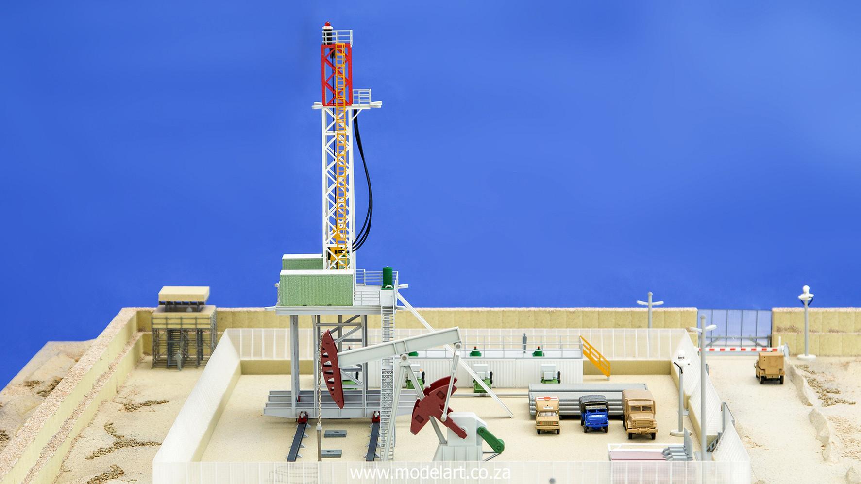 Desert Oil Rig 7.jpg