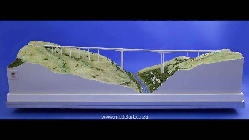 Architectural-Scale-Model-Engineering-Mtentu Bridge-3