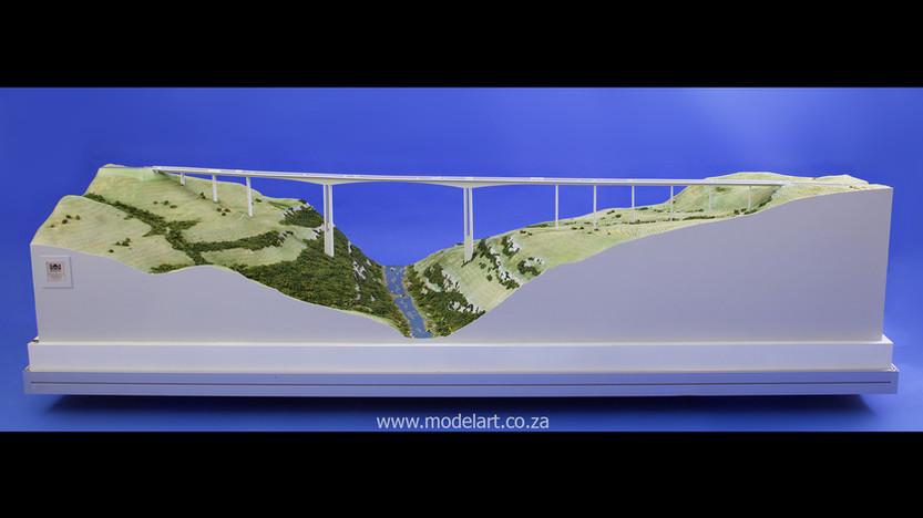 Architectural-Scale-Model-Engineering-Mtentu Bridge-2