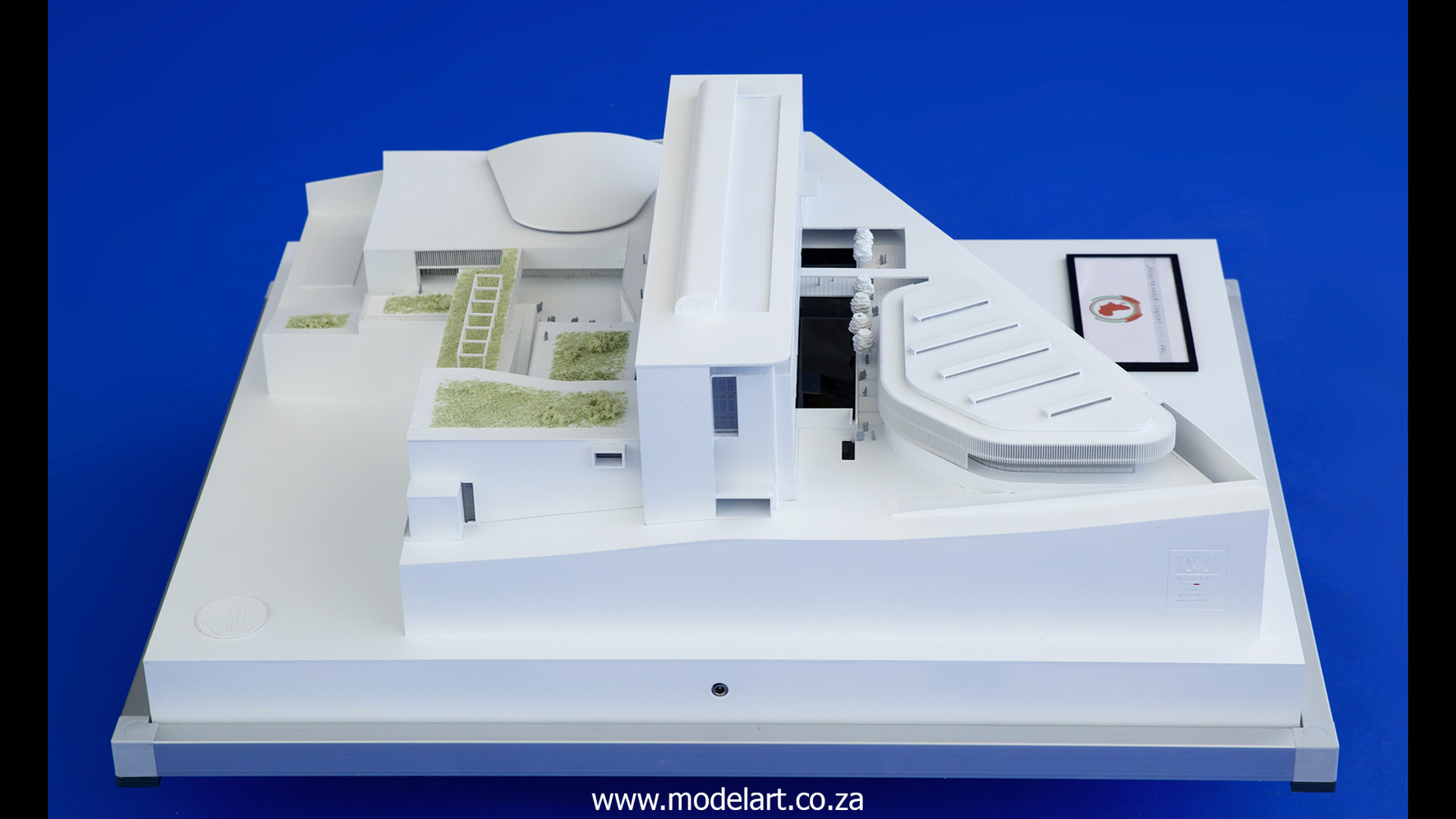 Architectural-Scale-Model-Conceptual-AU Building-2