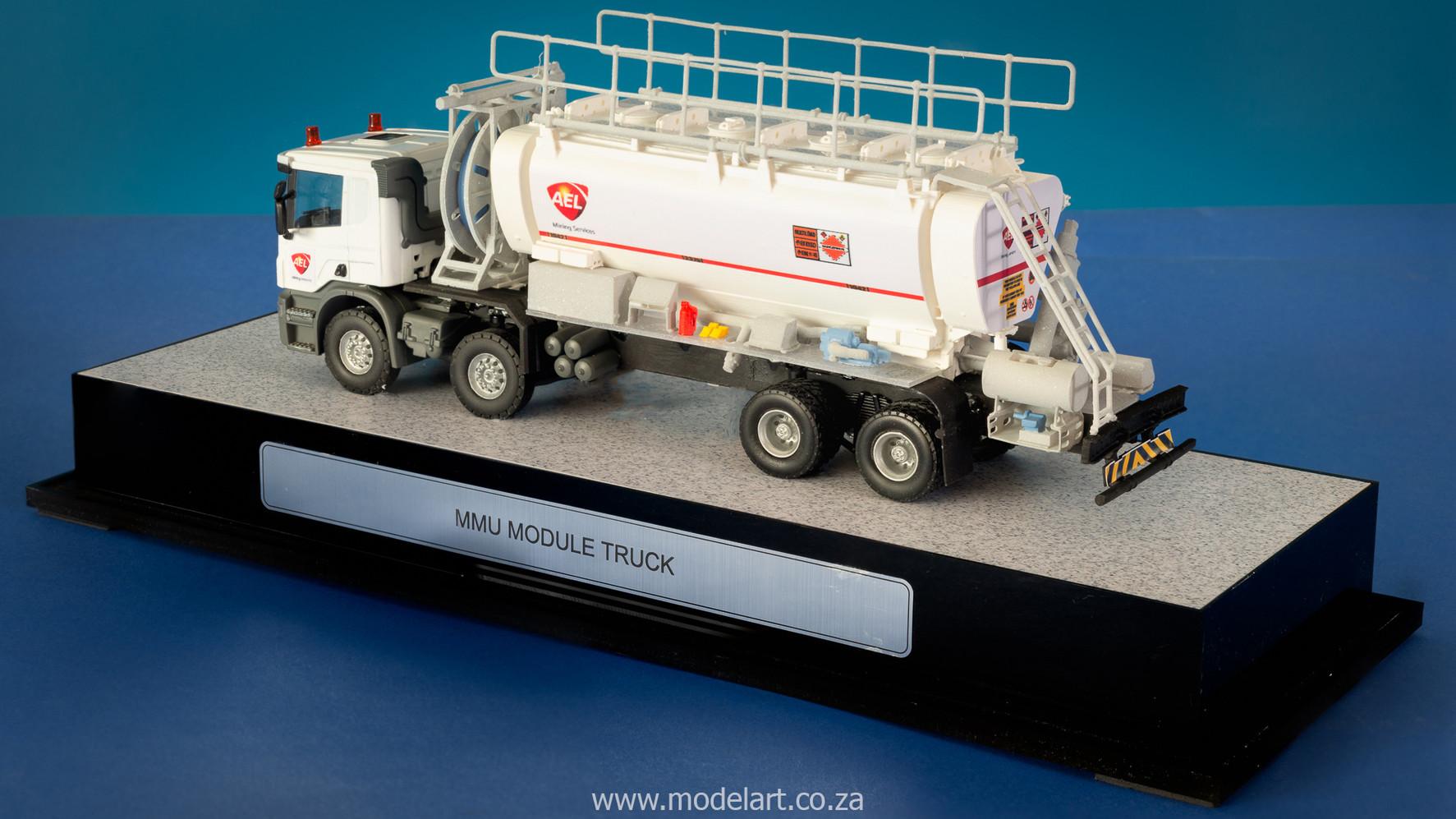 model-builder-prototype-mmu-truck_4.jpg