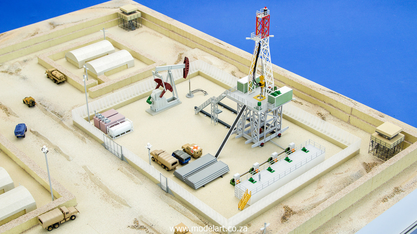 Desert Oil Rig 4.jpg