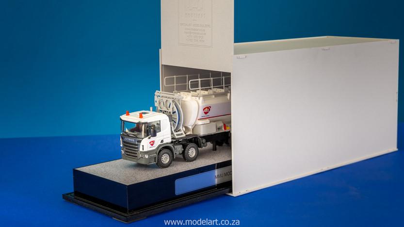 model-builder-prototype-mmu-truck_3.jpg