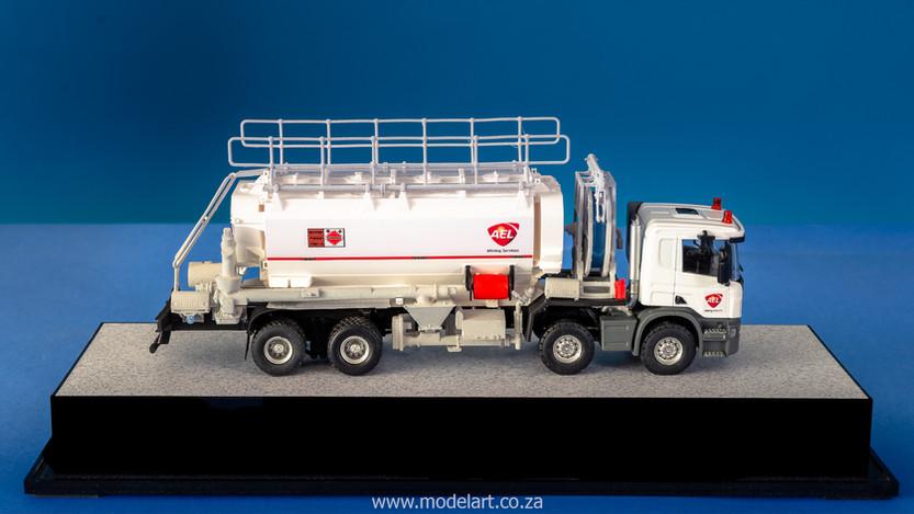 model-builder-prototype-mmu-truck_2.jpg