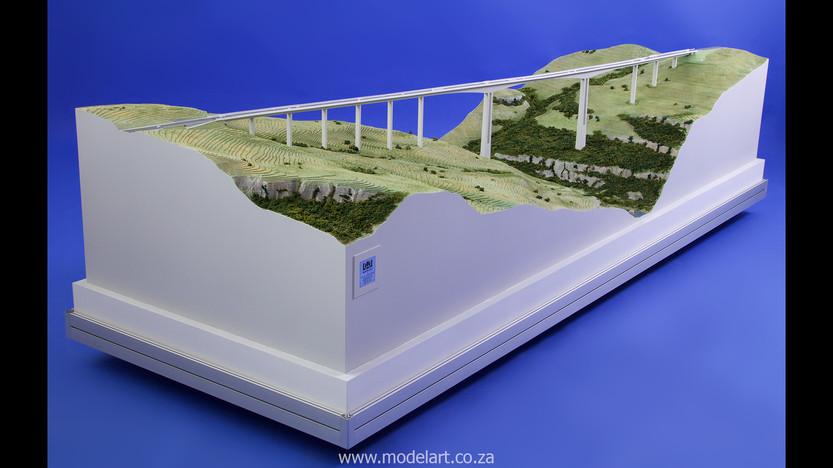 Architectural-Scale-Model-Engineering-Mtentu Bridge-1