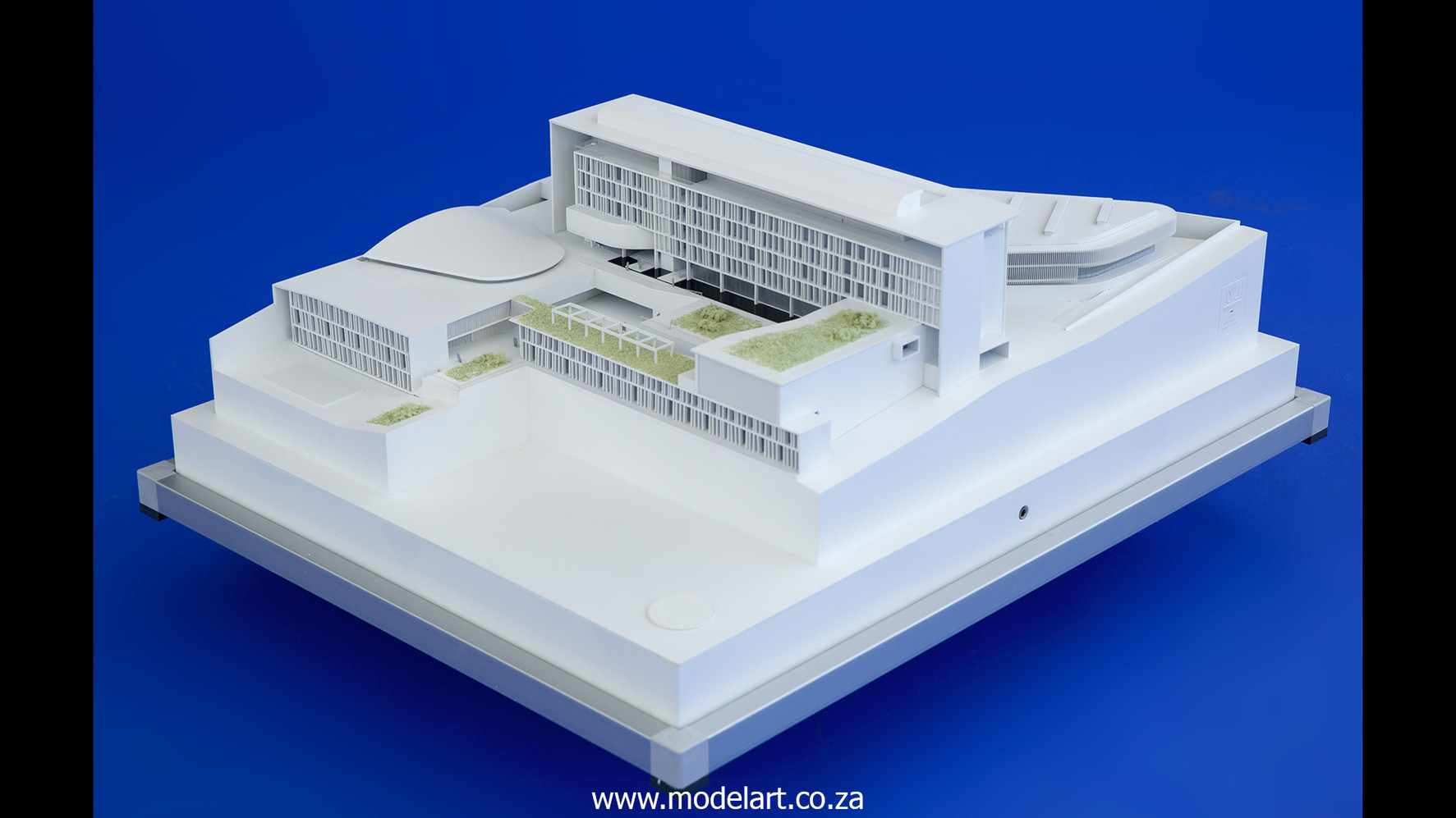 Architectural-Scale-Model-Conceptual-AU Building-6