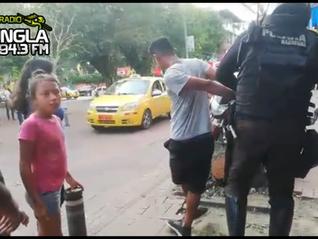 Joven fue detenido por robar una mochila en El Coca