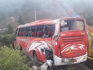 Varios fallecidos y heridos por accidente de bus de la coop. Putumayo