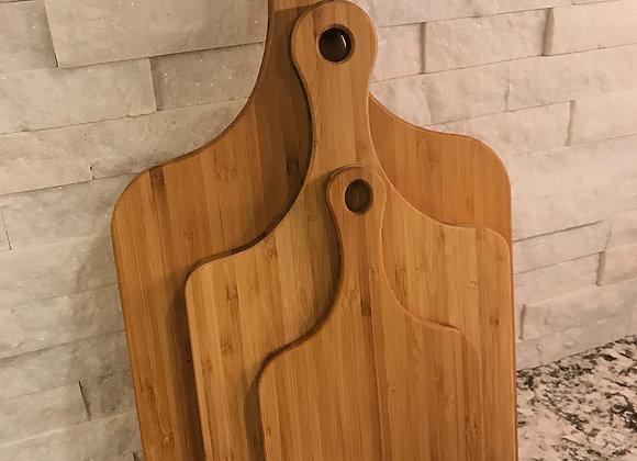 Paddle cutting board in Bamboo