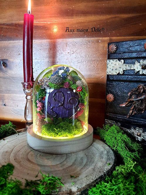 """Petite Cloche lumineuse """"Voyage en terre imaginaire"""" (porte violette)"""