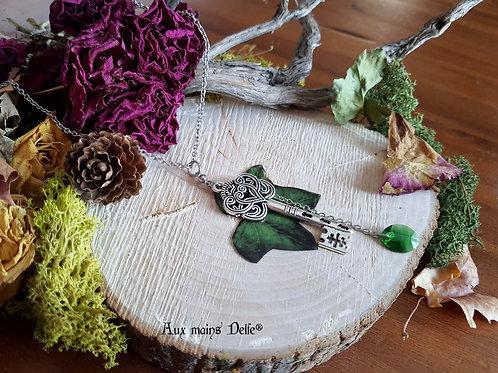 """LONG SAUTOIR """"Gardienne de la nature"""" (lierre)"""