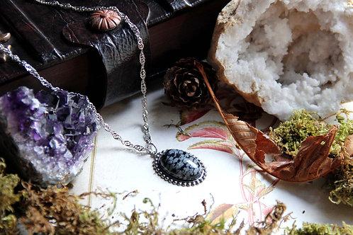 """Collier """"Médaillon de Morwën"""" (Obsidienne mouchetée)"""