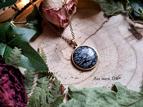 Médaillon d'Eowyn (Obsidienne mouchetée) Acier doré