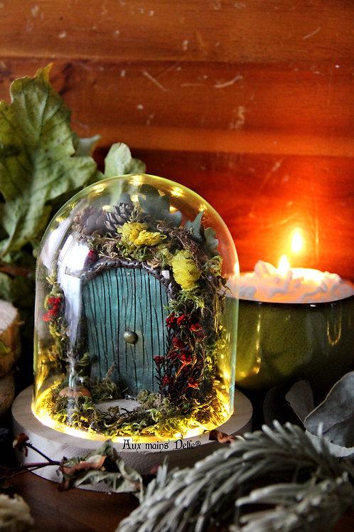 "Cloche miniature lumineuse ""Voyage en terre imaginaire"" (verte)"