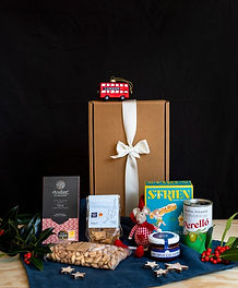 MEADOWS_HAMPERS-0144_edited.jpg