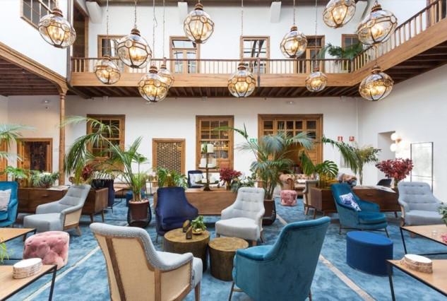 La-Laguna-Gran-Hotel-Hall2-980x653-640x4