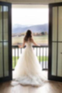 Utah bride in wedding dress. tulle weddig dress