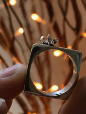Square and circle ring with water droplet splash
