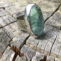 Diopside ring