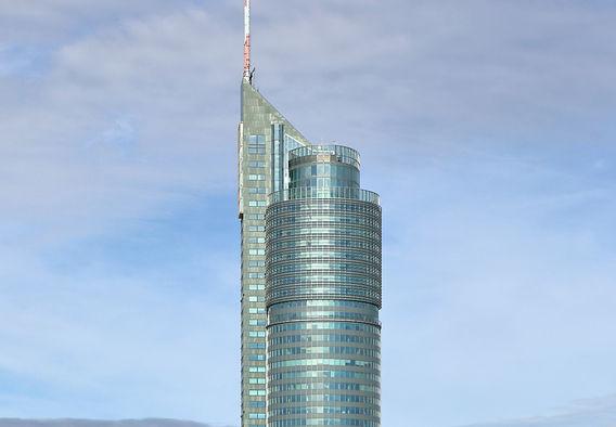 Wien_-_Millennium_Tower_(2)_edited.jpg