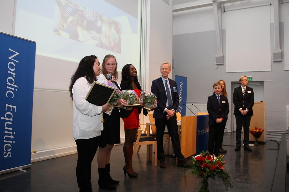 """År 2013 tilldelades Acelya Yalcin, Mathilda Holst and Rosy Nsimba Mafuta priset för sitt företag """"Sister Care"""""""