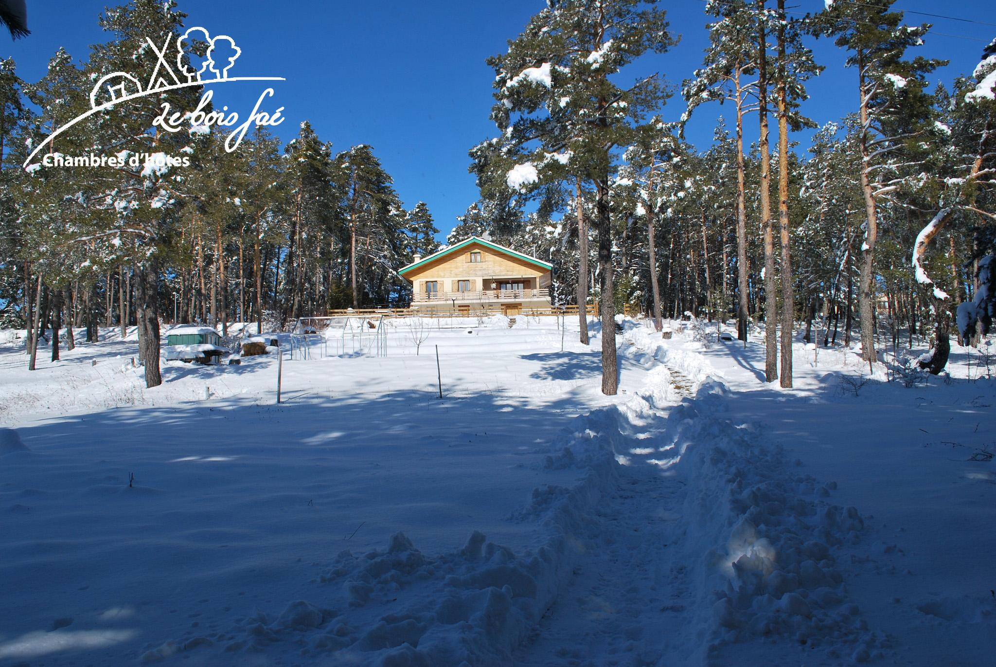 chalet du bois faé en hiver