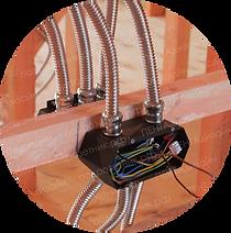 Проводка в деревянном доме в металлической трубе