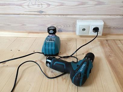Скрытая проводка в деревянном доме. Розетки на подъемных рамках