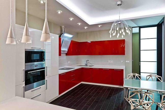 Дизайн 2-х комнатной квартиры в красных тонах.  Ремонт квартир Москва. Кухня в современном стиле