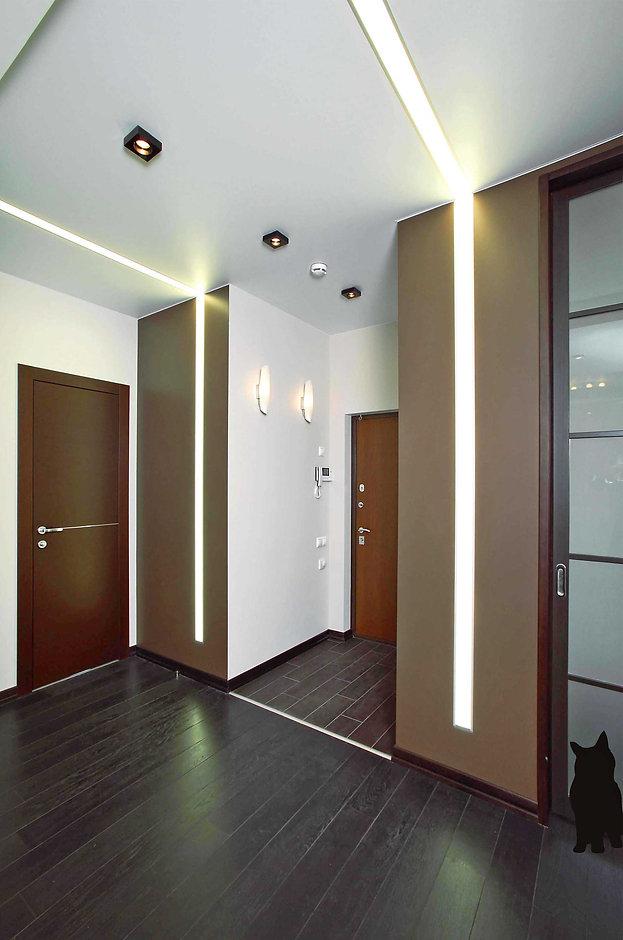 Ремонт 2-х комнатных квартир. Дизайн 2-х комнатных квартир. Холл со встроенными светильниками. Дизайн проект 2-х комнатной квартиры