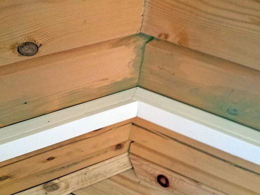 Монтаж проводки в кабель-канале в деревянном доме