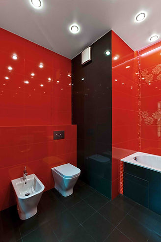 Ванная комната в красном цвете. Ремонт 2-х комнатных квартир. Дизайн ванной комнаты в красном цвете